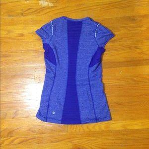 Lululemon size 4 striped short-sleeved shirt